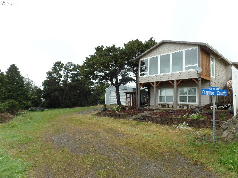 220 EIGHTH ST, PORT ORFORD, OR 97465