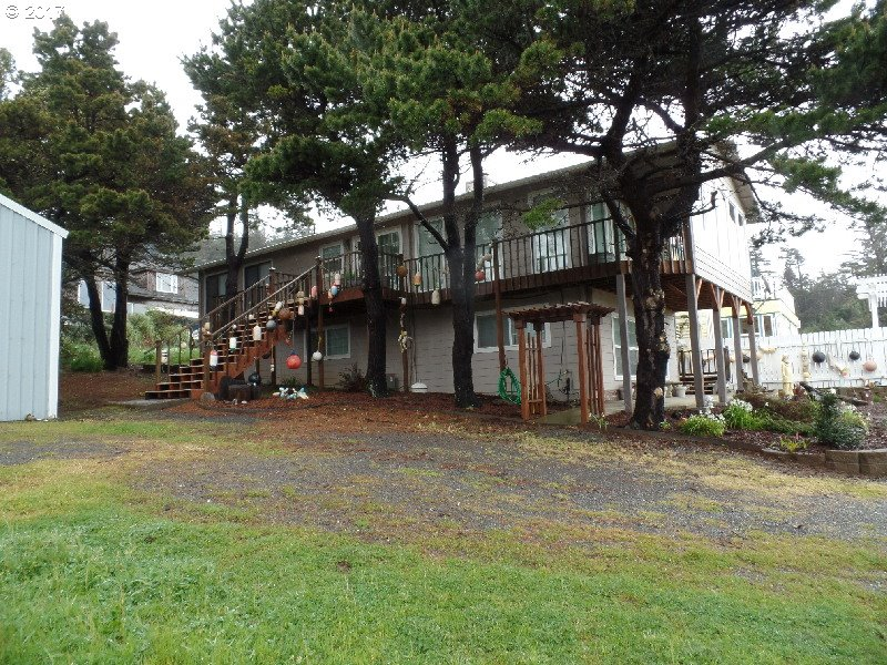 220 EIGHTH ST, PORT ORFORD, OR 97465  Photo 2