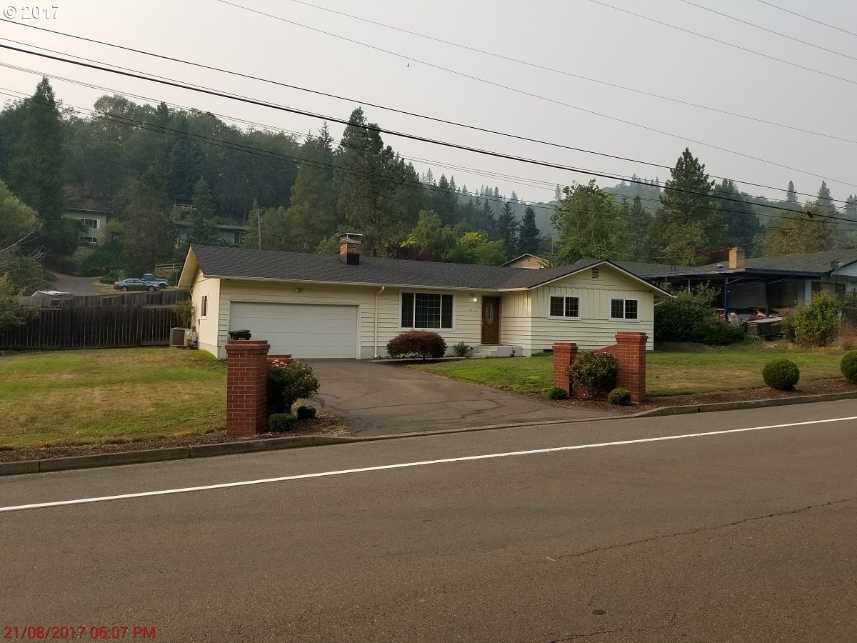 1512 NEWTON CREEK RD, Roseburg, OR 97470