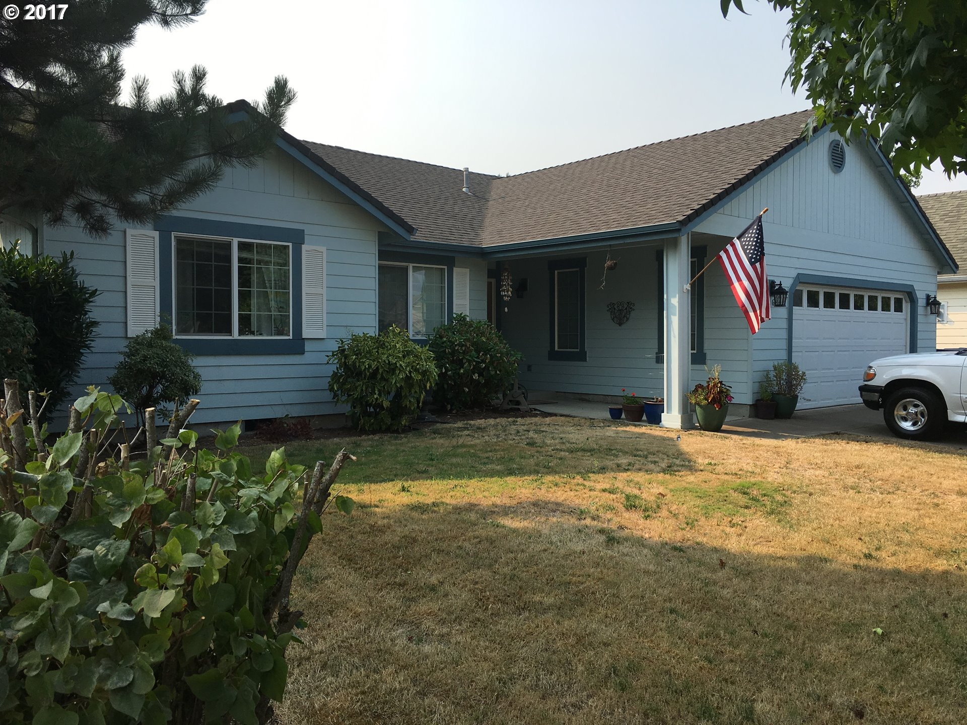 2064 8TH ST, Springfield, OR 97477