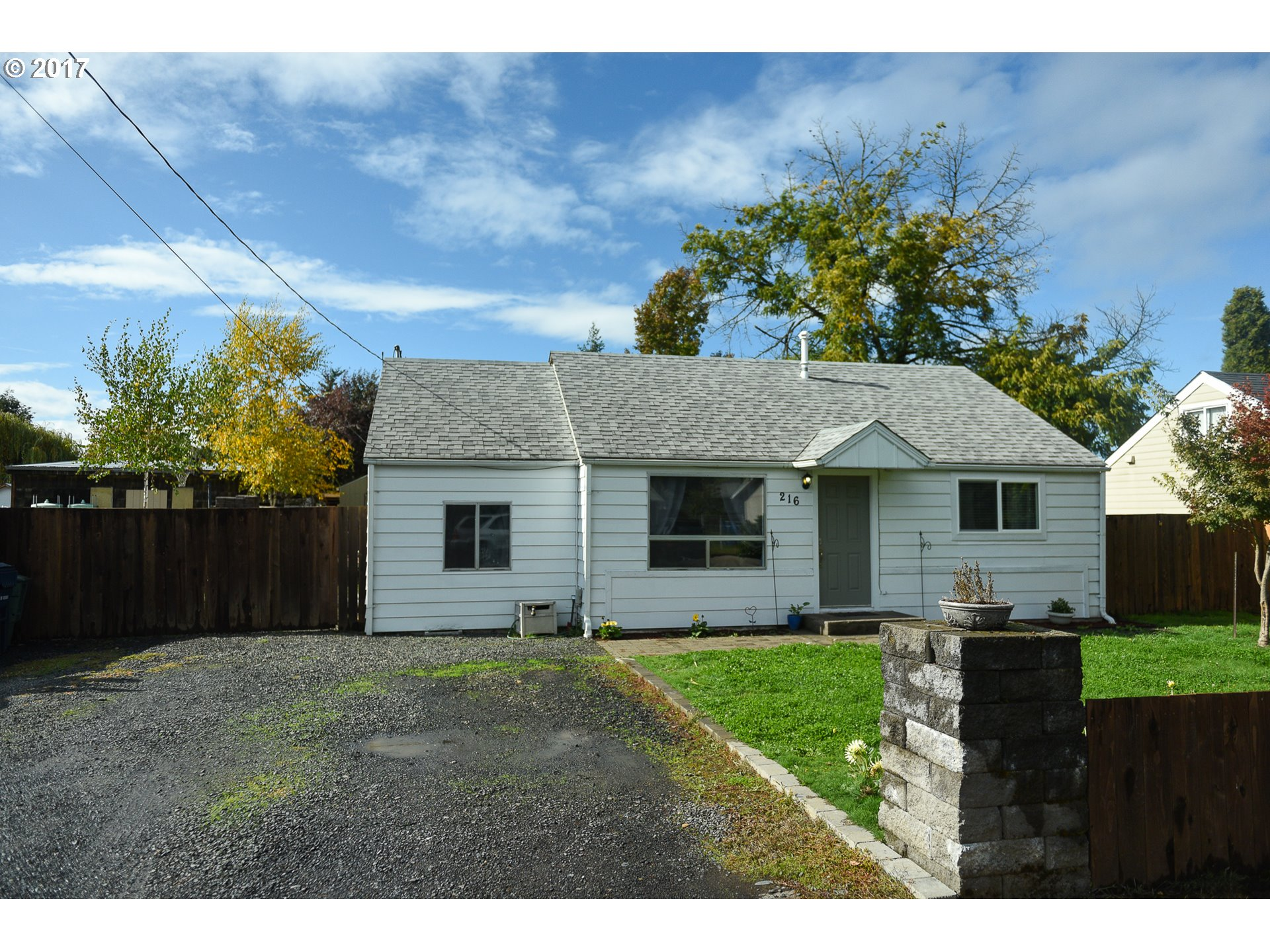 216 S 38TH ST, Springfield OR 97478