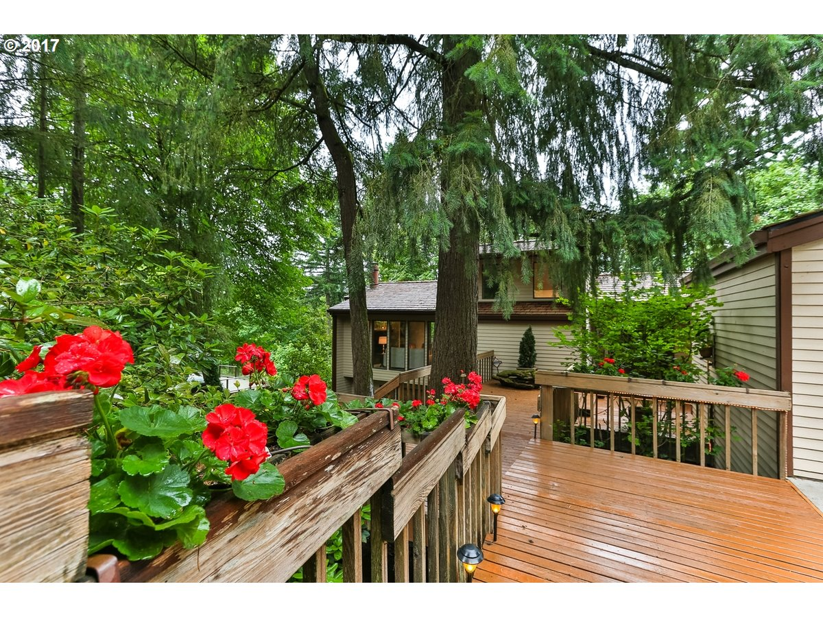 17720 OVERLOOK CIR, Lake Oswego, OR 97034