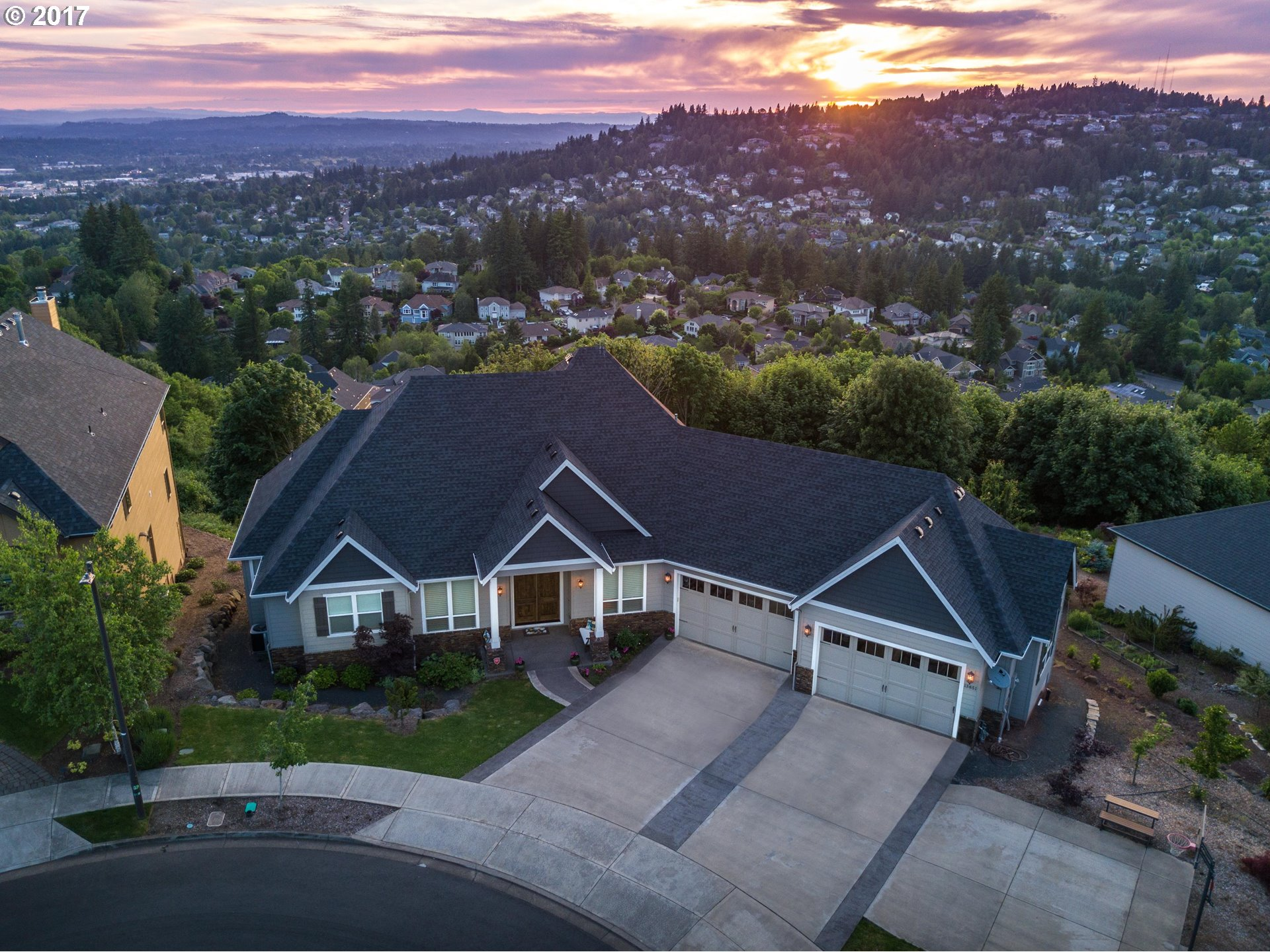 13851 SE MOUNTAIN CREST DR, Happy Valley, OR 97086
