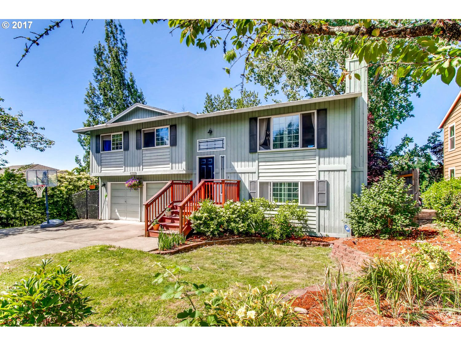 10493 SW WOODS ST, Portland, OR 97225