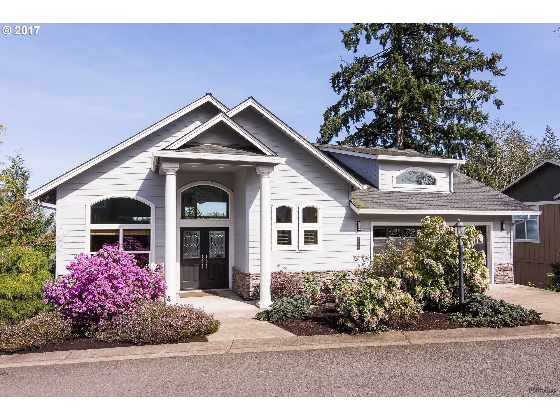 3325 BENTLEY AVE, Eugene, OR 97405