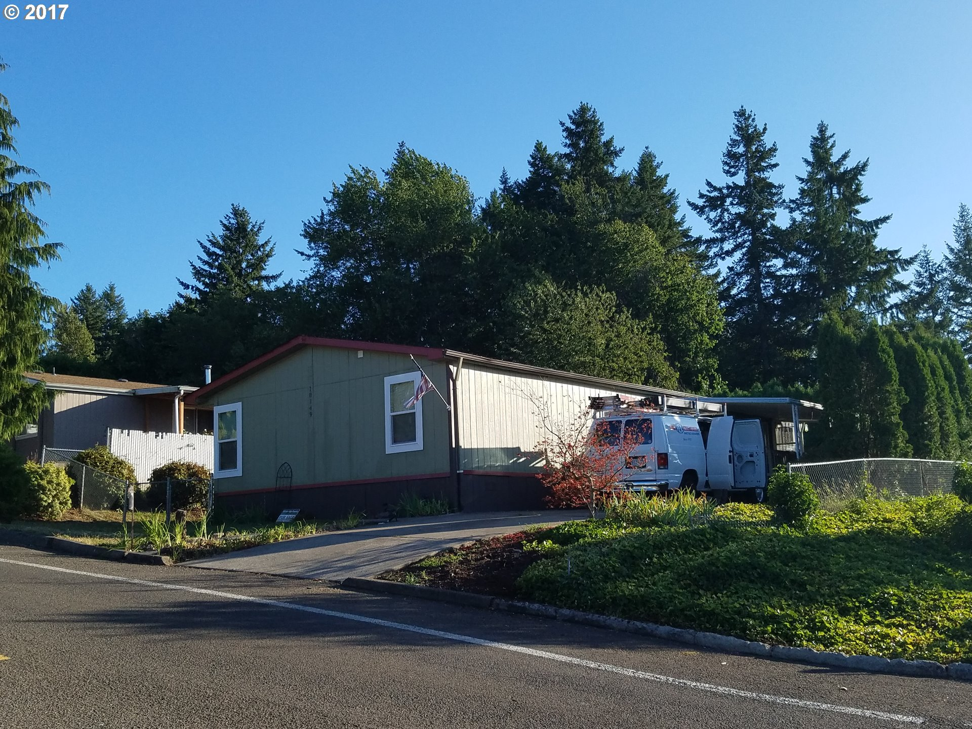 18149 COUNTRY VILLAGE DR, Oregon City, OR 97045
