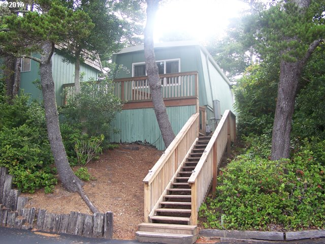 1600 RHODODENDRON DR 295, Florence, OR 97439