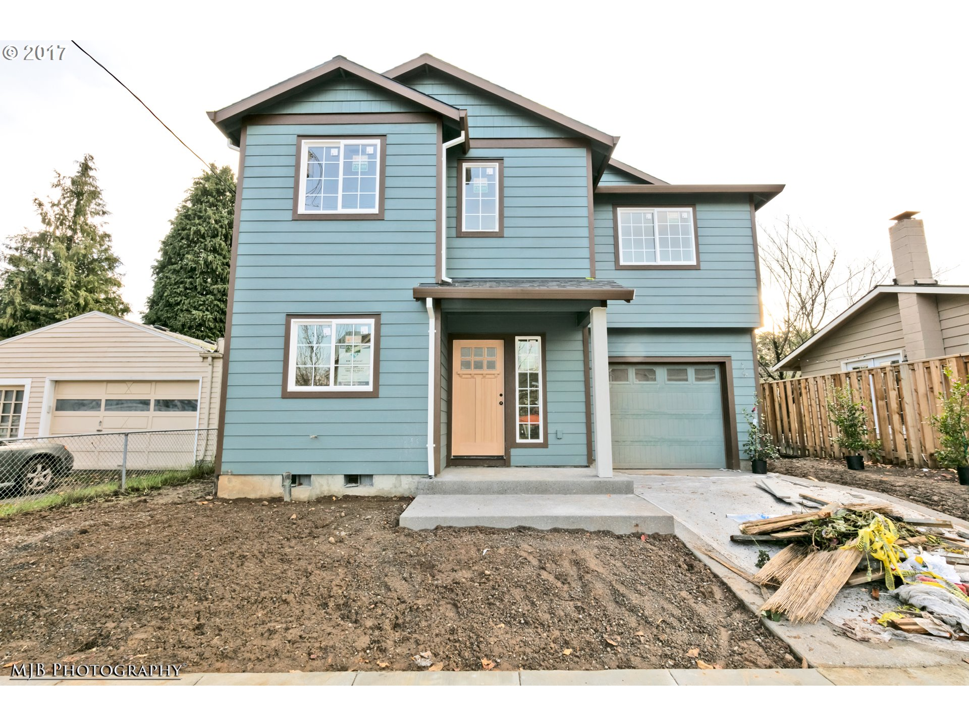 Beautiful new construction w/garage in NoPo near shopping, dining, transit, & freeway access! Bikescore 81! Quality finishes, built by a seasoned local builder! 3 spacious bdrms, 2 1/2 bths w/wood flrs on main, open kitch w/SS apps, forced air heating, hi-ceilings, & much more! Completion in time for the New Year!