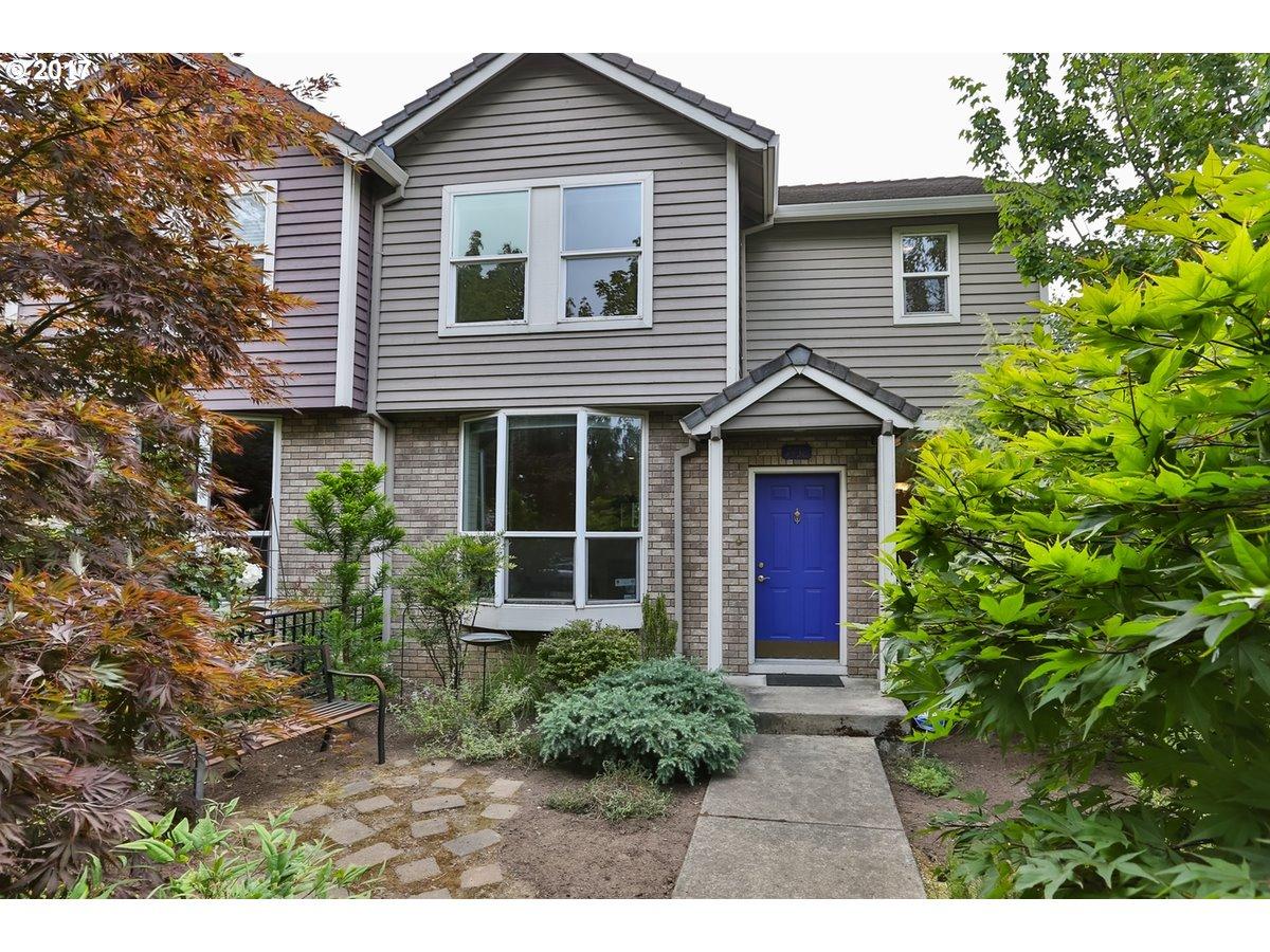 7438 SW CAPITOL HWY, Portland, OR 97219