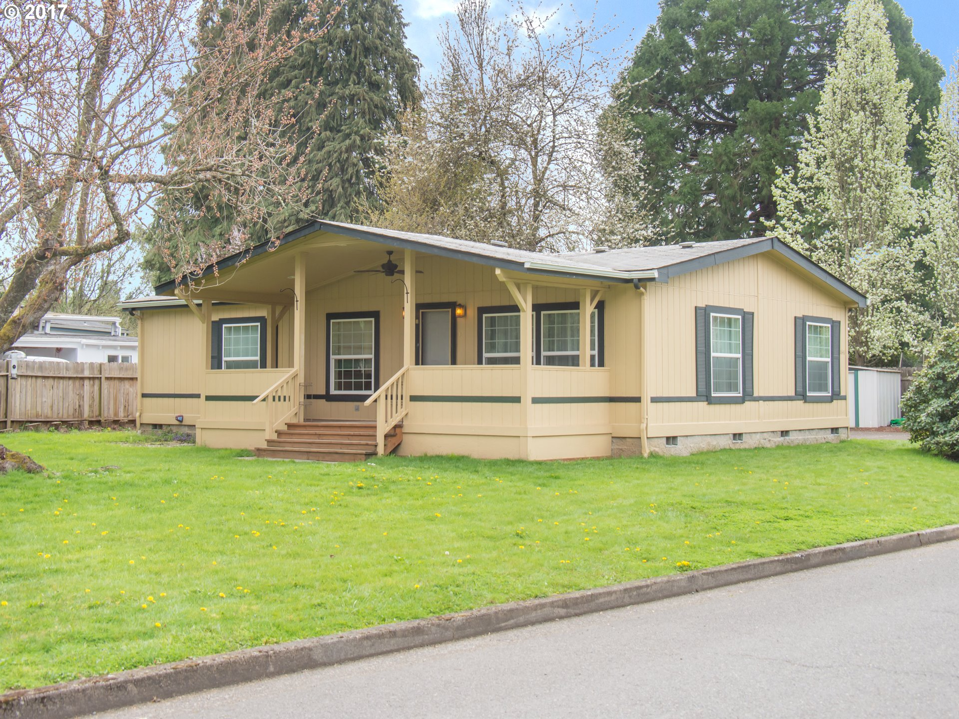 1641 HARBOR DR, Springfield, OR 97477