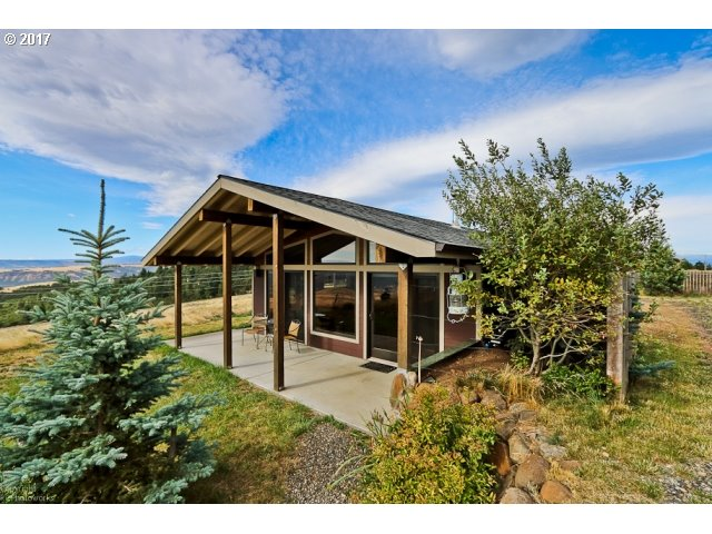 2433 MOUNTAIN VIEW DR, Mosier, OR 97040
