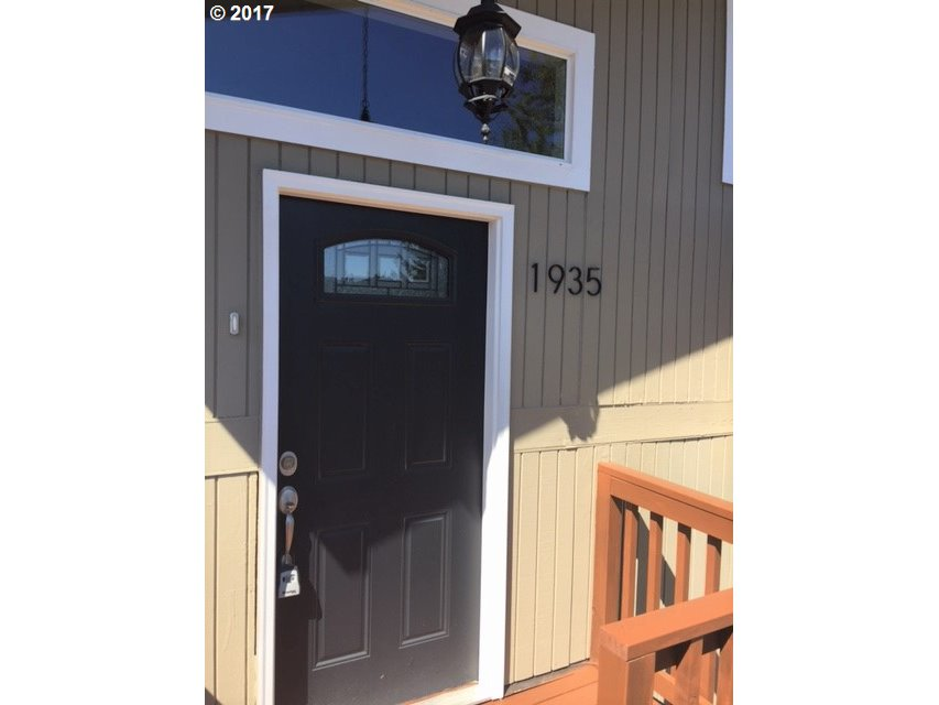 1935 TIGERTAIL RD Eugene, OR 97405 17453981