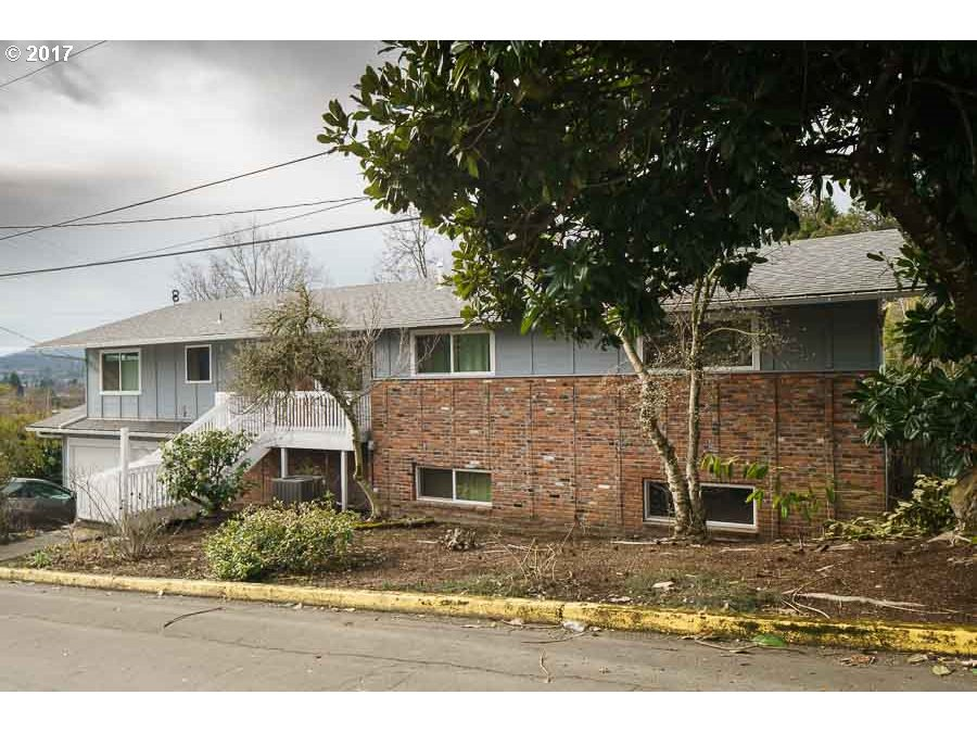 584 CITY VIEW BLVD, Springfield, OR 97477