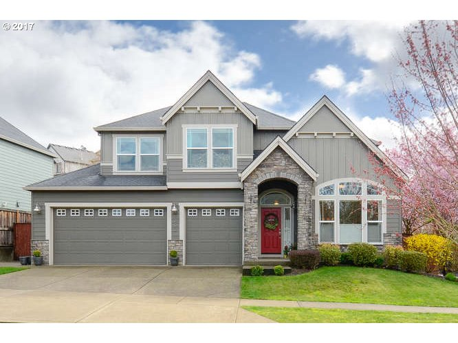 202 THE GREENS AVE, Newberg, OR 97132