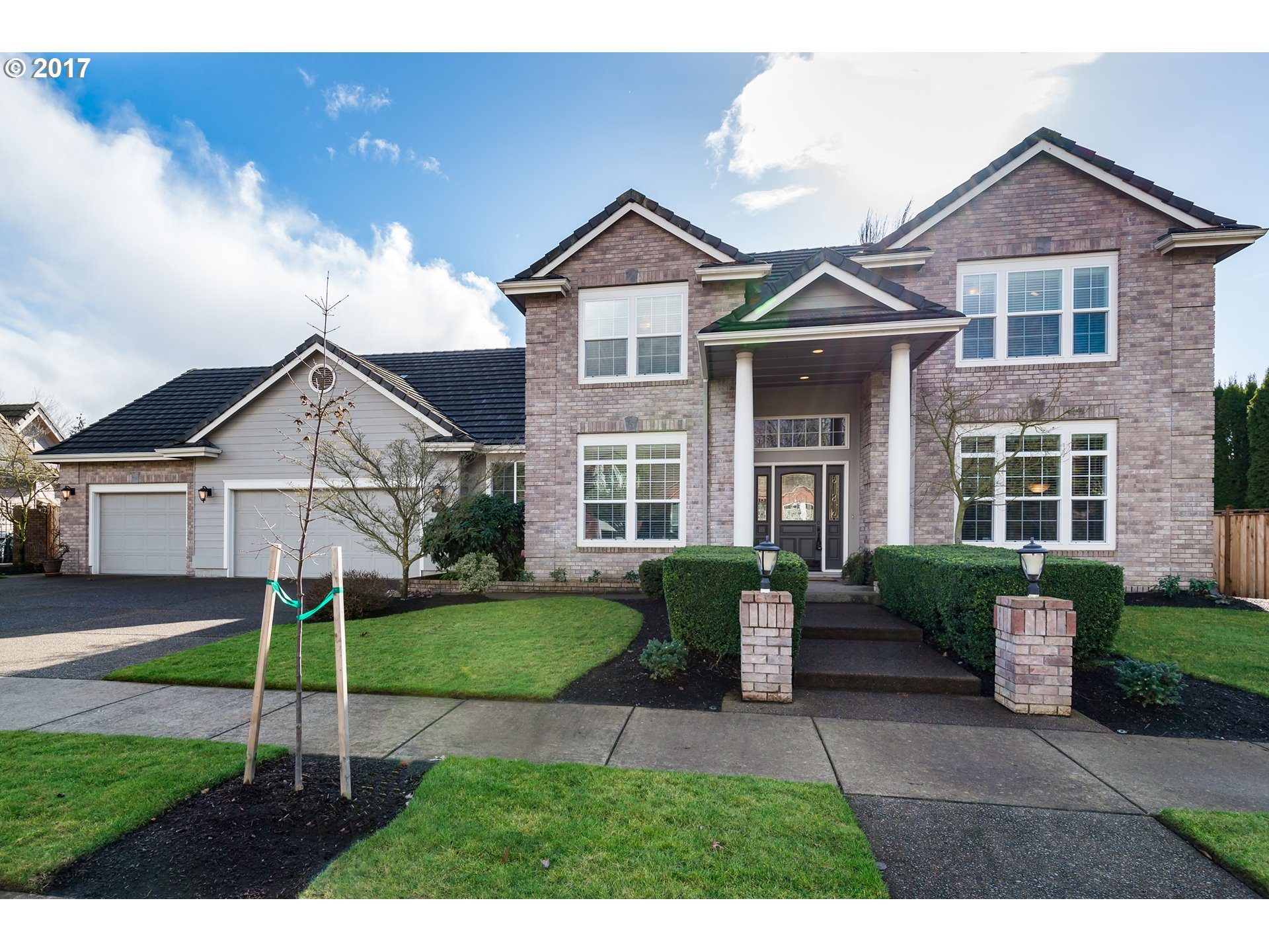 3821 MEADOW VIEW DR, Eugene, OR 97408