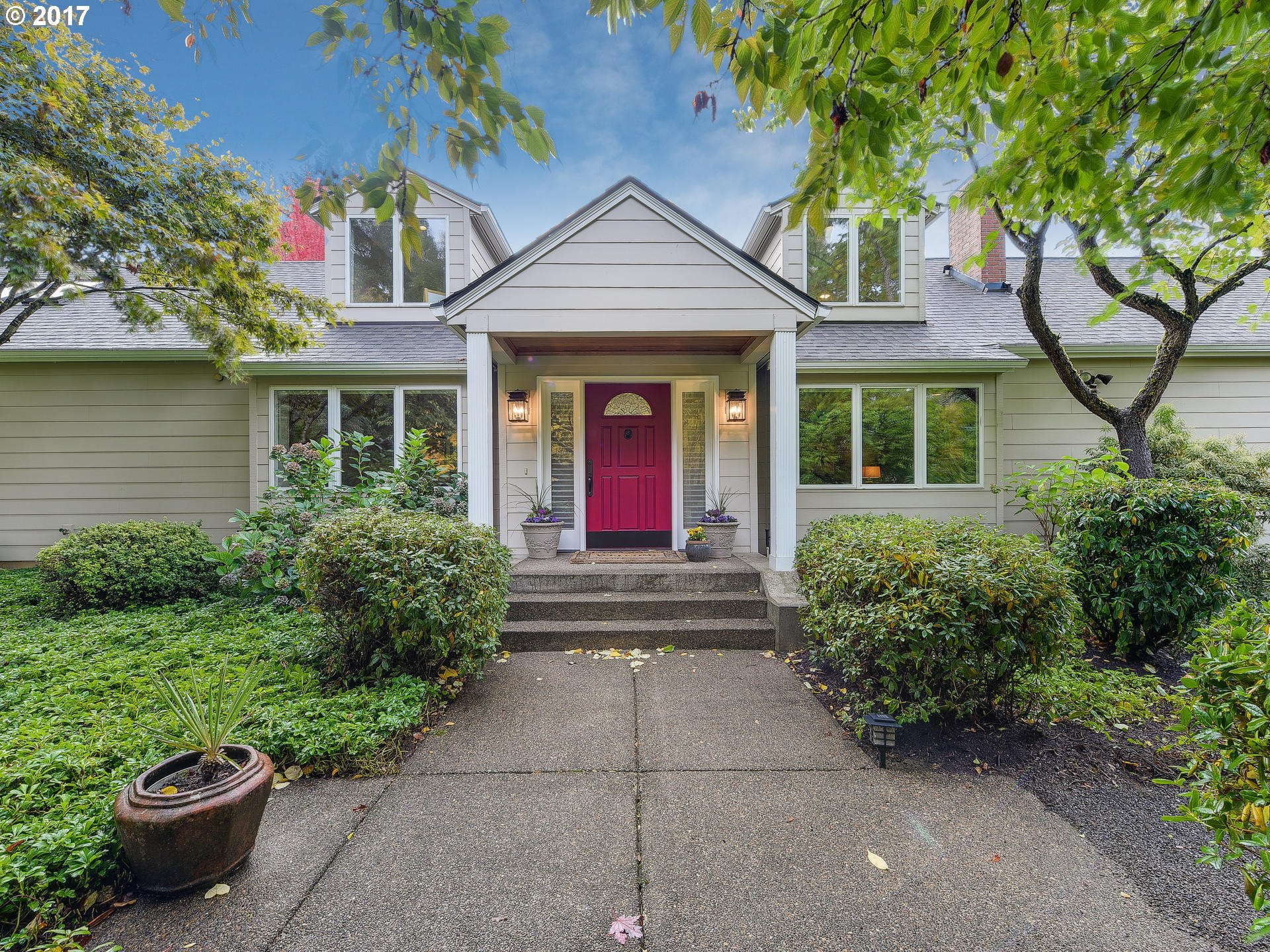 3810 SW NEVADA CT, Portland OR 97219