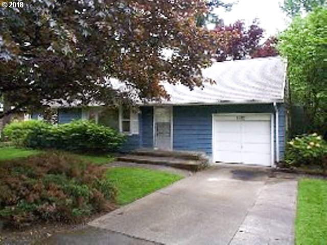 7812 SW GREENWOOD DR, Portland OR 97223