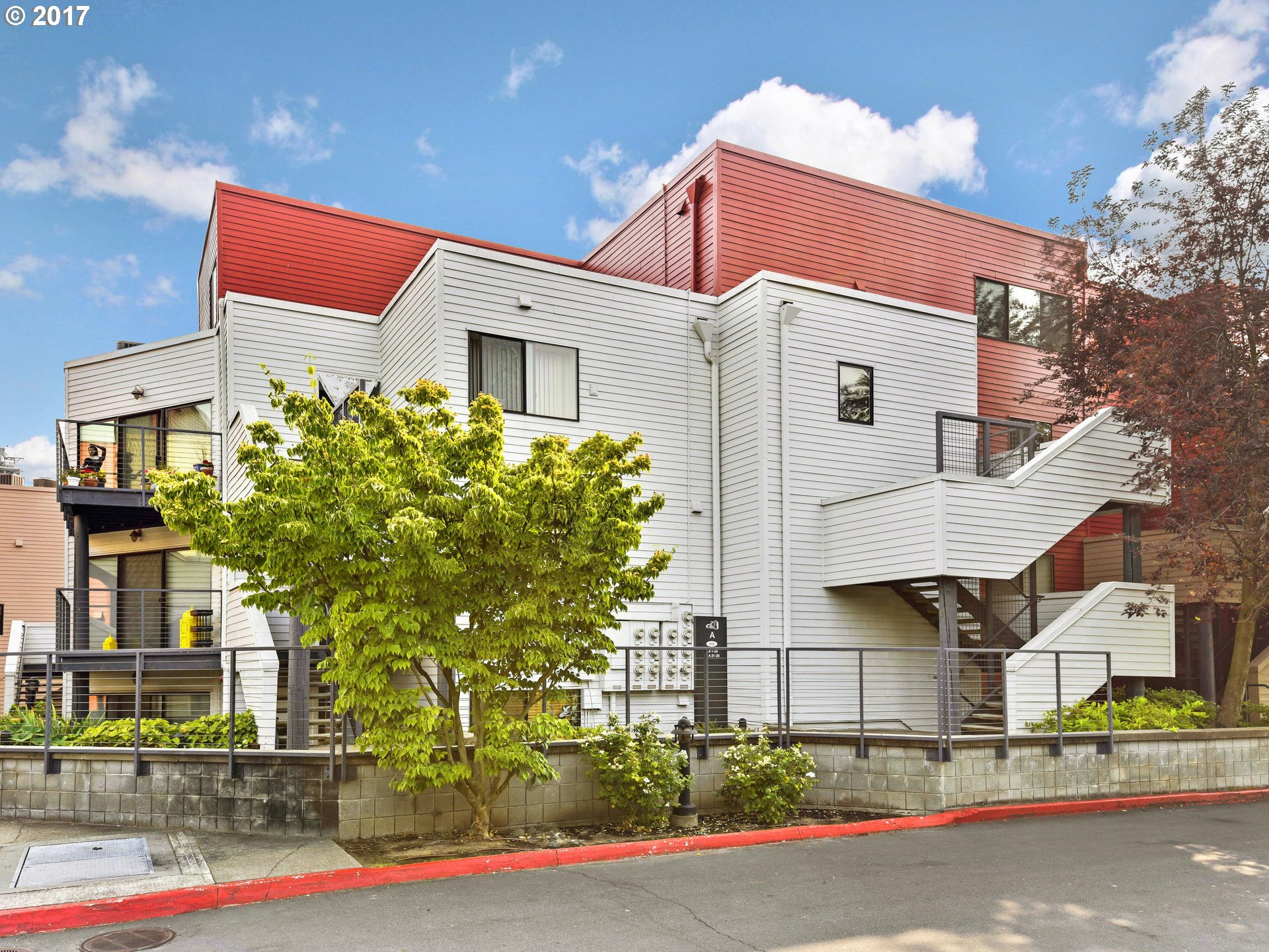 606 NW NAITO PKWY A-20, Portland, OR 97209