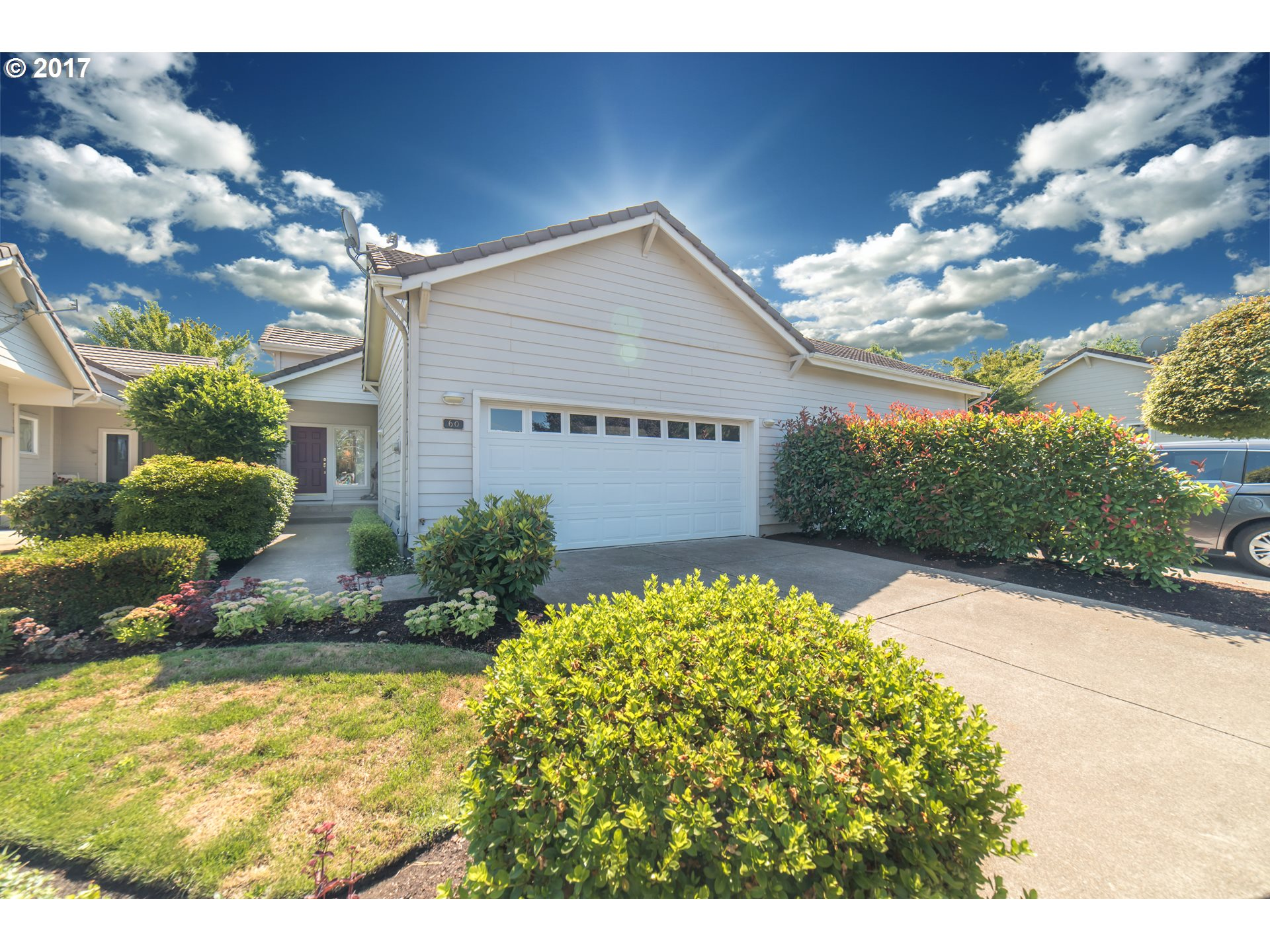 60 MAGNOLIA DR, Creswell, OR 97426