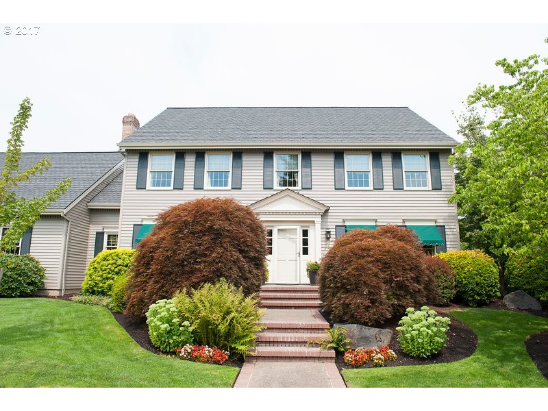 Orig owner, custom-built uber-traditional with FABULOUS curb appeal in superior location! Just-painted, shutters & dentil molding, 50-year roof, 3-car end-loaded gar, awesome priv yard w/bluestone patio, Koi pond/water feature, deluxe fencing/gate. Updated isl kit, open to nook & fam room. Hardwood floors, new carpeting, open railing, french doors to den, masonry FP w/X-lg firebox & trad mantel. Huge bonus room w/high ceiling & storage.