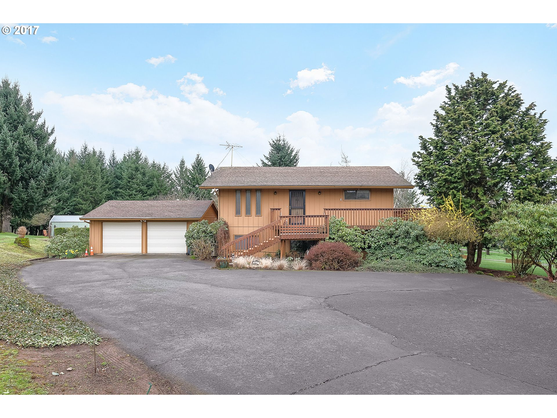 28520 SW LADD HILL RD, Sherwood, OR 97140