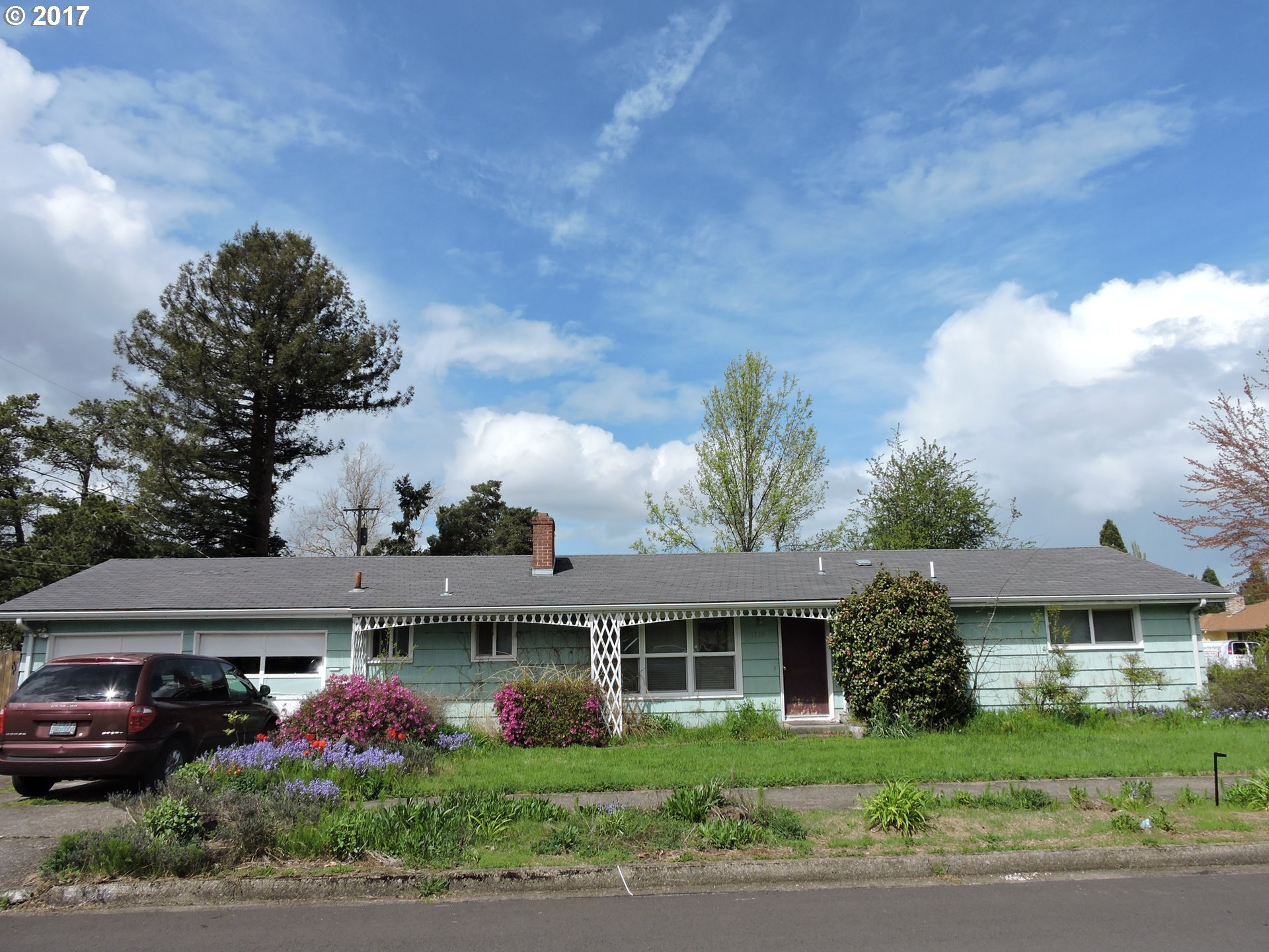 1215 W 22ND AVE, Eugene OR 97405