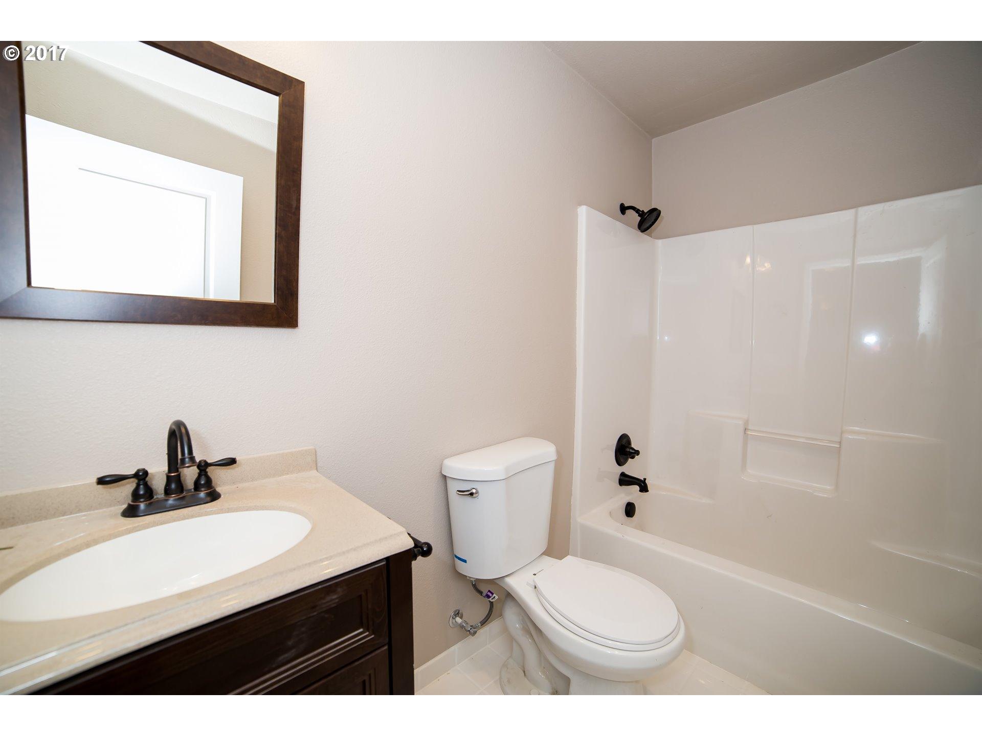2010 48TH AVE Longview, WA 98632 - MLS #: 17483769