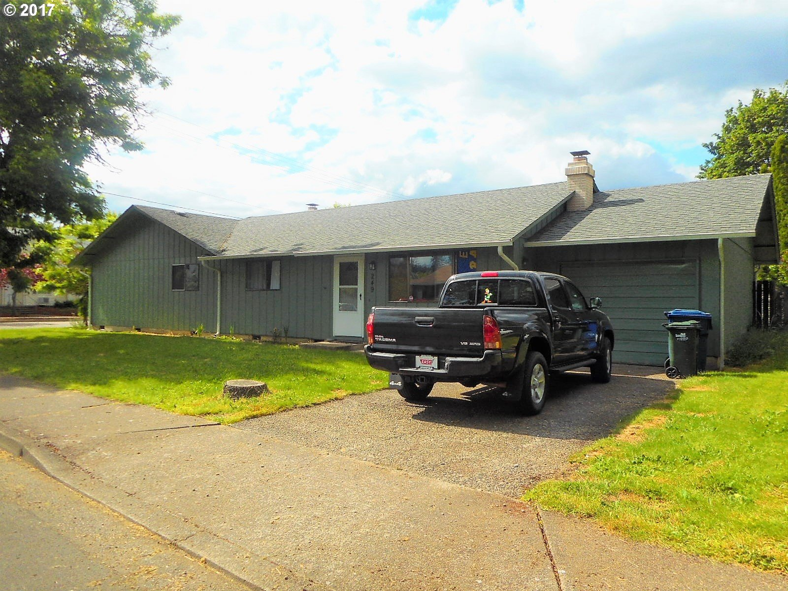 247 S 49TH PL, Springfield, OR 97478