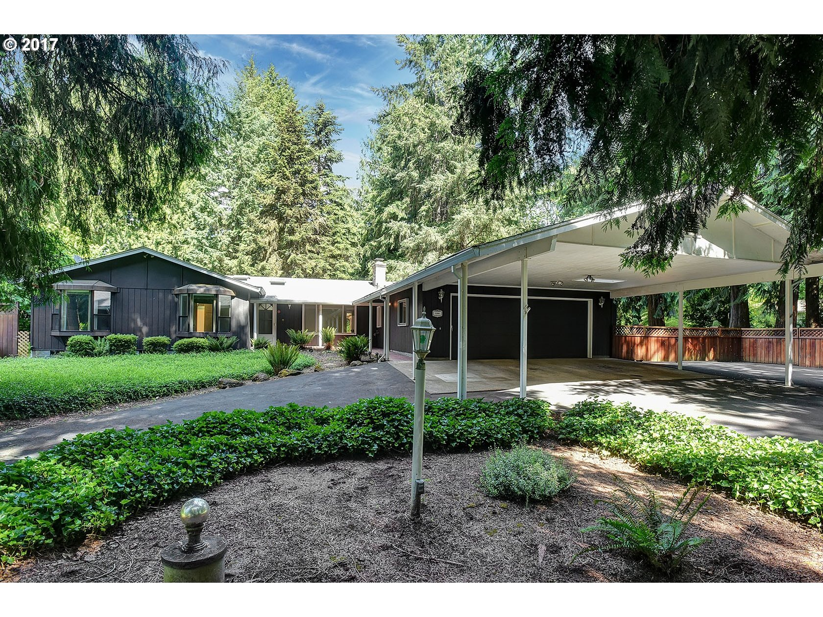 32000 S SHADY DELL RD, Molalla, OR 97038