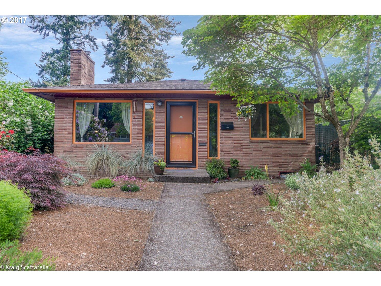 6111 SE INSLEY ST, Portland, OR 97206