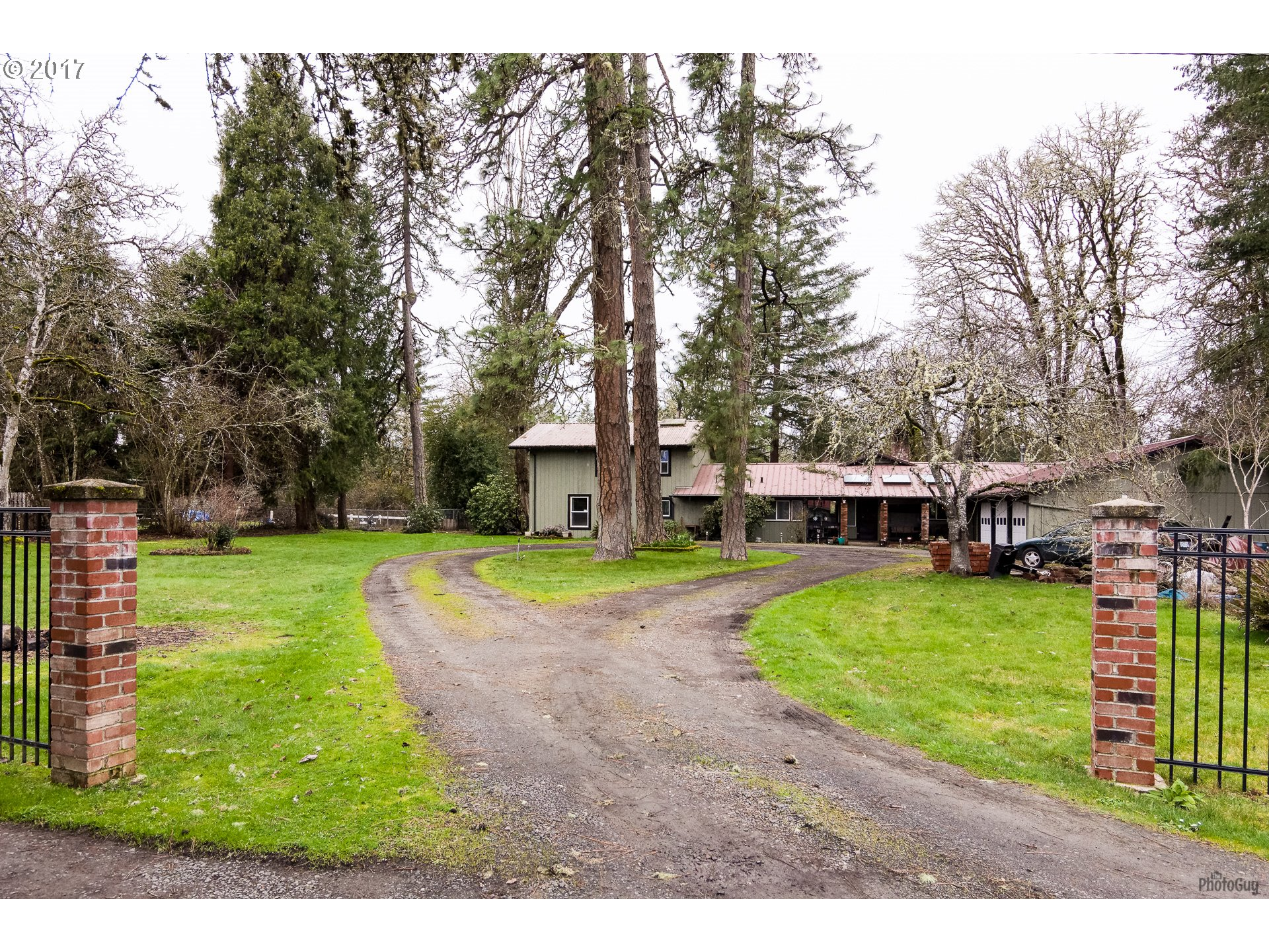 21 E JACKSON AVE, Cottage Grove, OR 97424