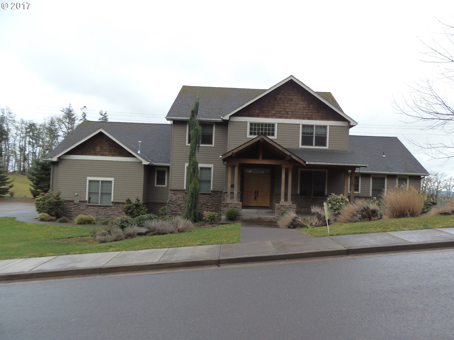 3160 SUMMIT SKY BLVD, Eugene, OR 97405