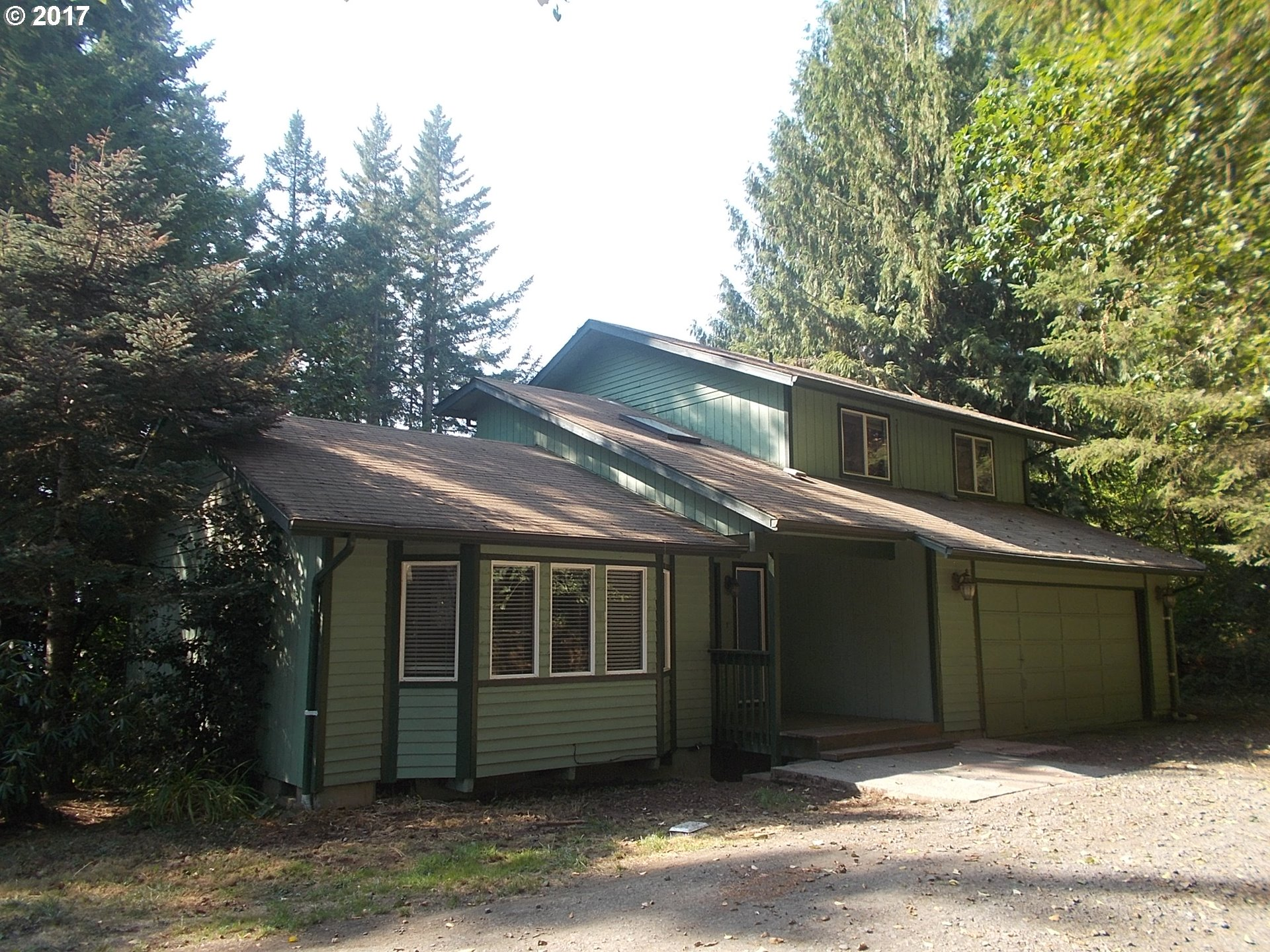 1304 PLEASANT VIEW DR, Cottage Grove, OR 97424