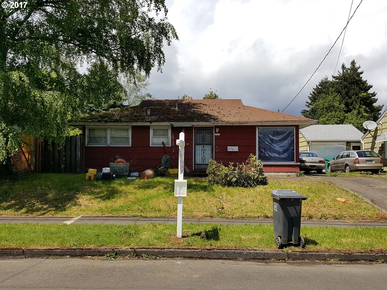 Great property in a Great Location for remodeling and resale. Bus stop on Lombard St, Minutes away from University of Portland, Easy access to Schools, Shopping and I-5. Buyer to verify all information.