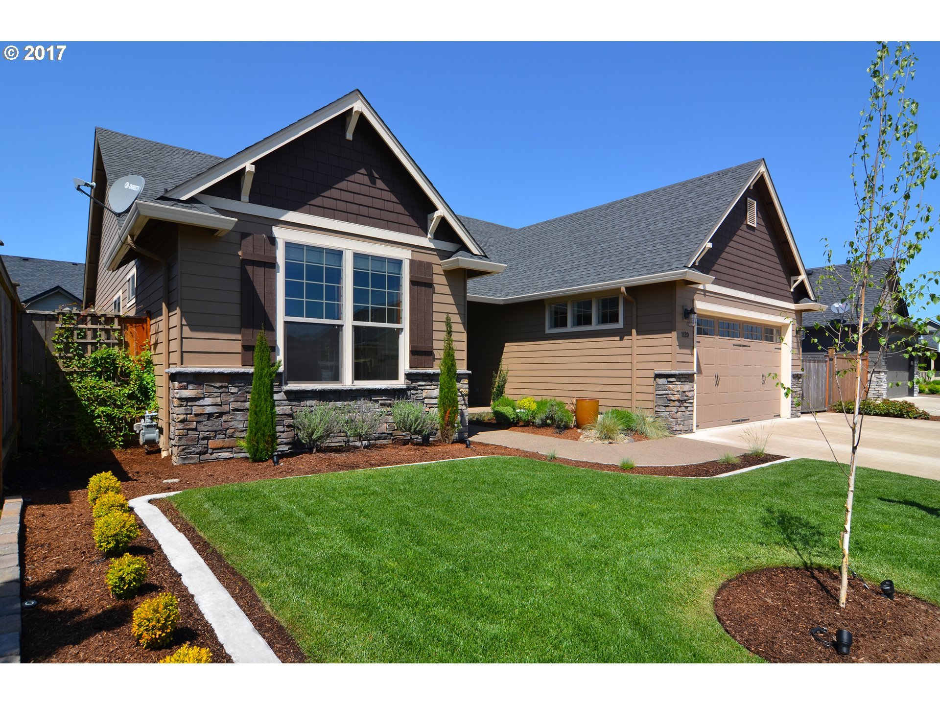 1120 S 40TH PL, Springfield, OR 97478