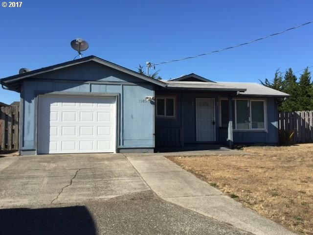 1985 31ST ST, Florence, OR 97439