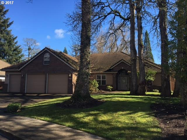910 NW OAKMONT CT, McMinnville, OR 97128