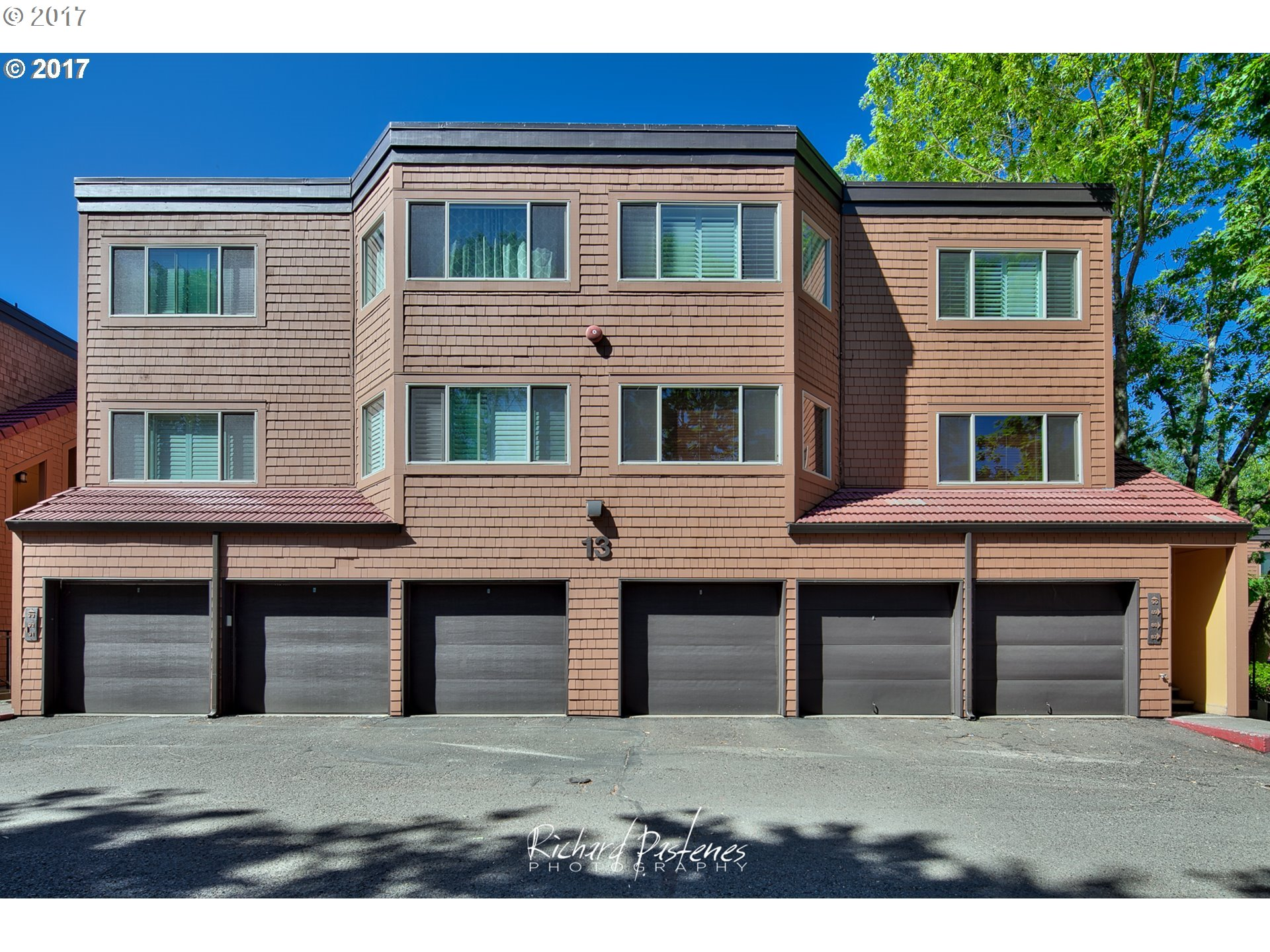 90 OSWEGO SMT, Lake Oswego, OR 97035