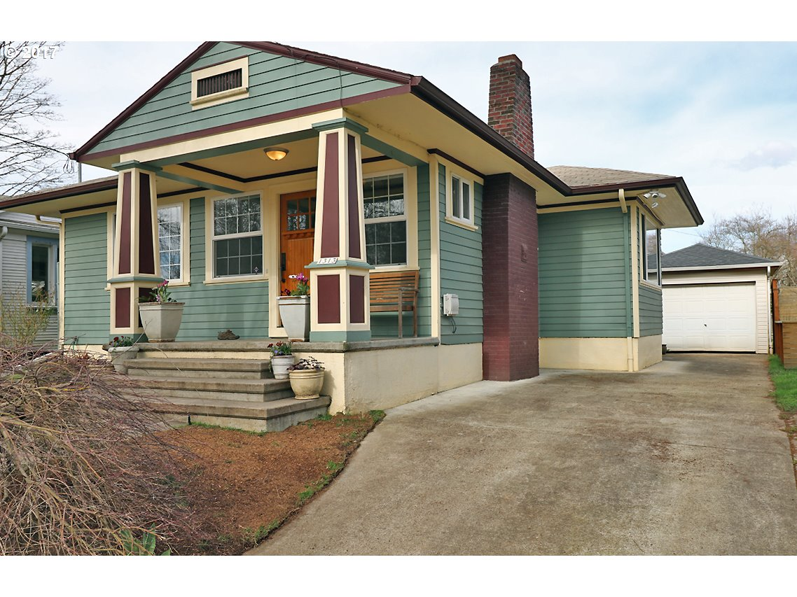 Spectacular remodel-Awesome Location on quiet tree lined street in Ladds Addition w/Iconic Historic Rose Gardens.Walk to shops-restaurants on Division-Clinton-Hawthorne! House is gorgeous-Open floor plan w/Great Room-Hi ceilings-Built-ins! Gourmet kitchen new cabinets-tumbled granite slab counters-Stainless appl. Refinished wood floors. Huge lower bath w/laundry. Master bedroom has wall of built-in closets & window seat