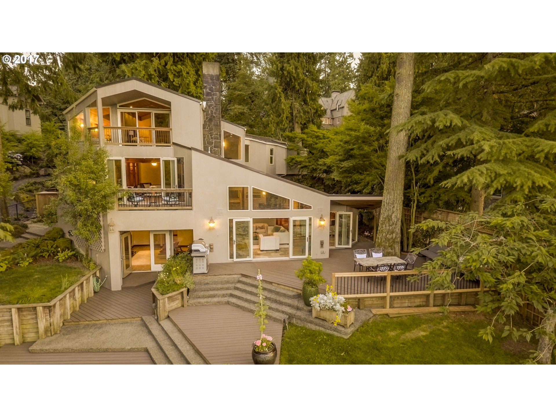 1115 LAKE FRONT RD, Lake Oswego, OR 97034