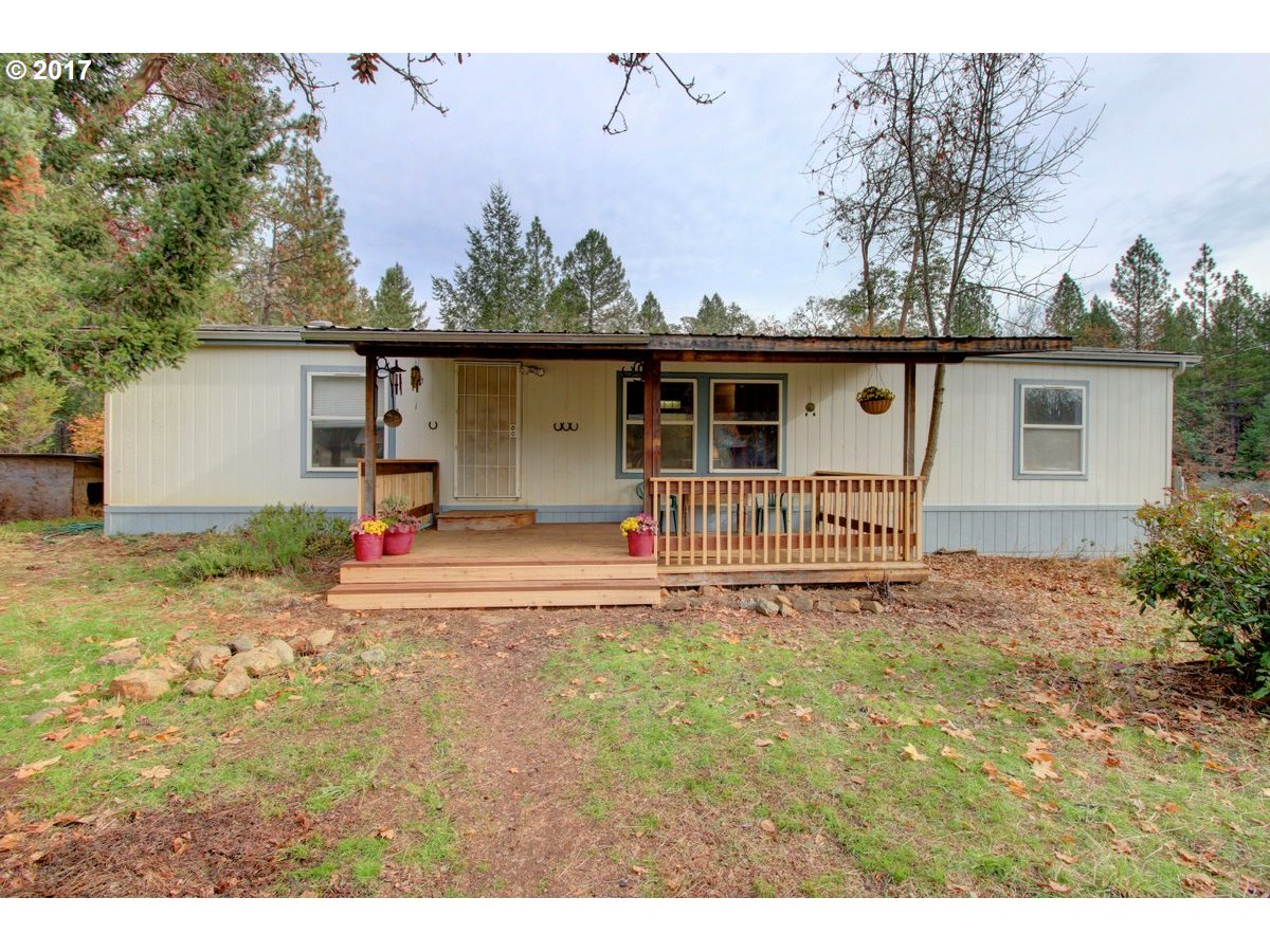 Williams, OR  Bedroom Home For Sale