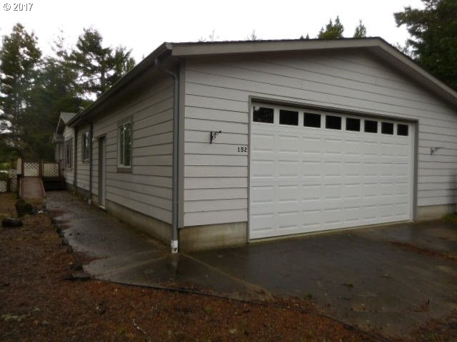 1600 RHODODENDRON DR SPAC 152, Florence, OR 97439