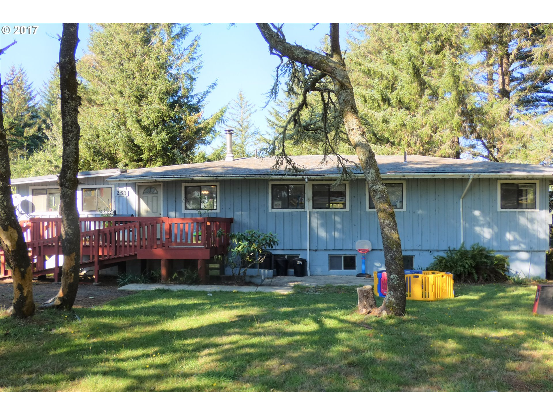 253 COAST GUARD HILL RD, PORT ORFORD, OR 97465