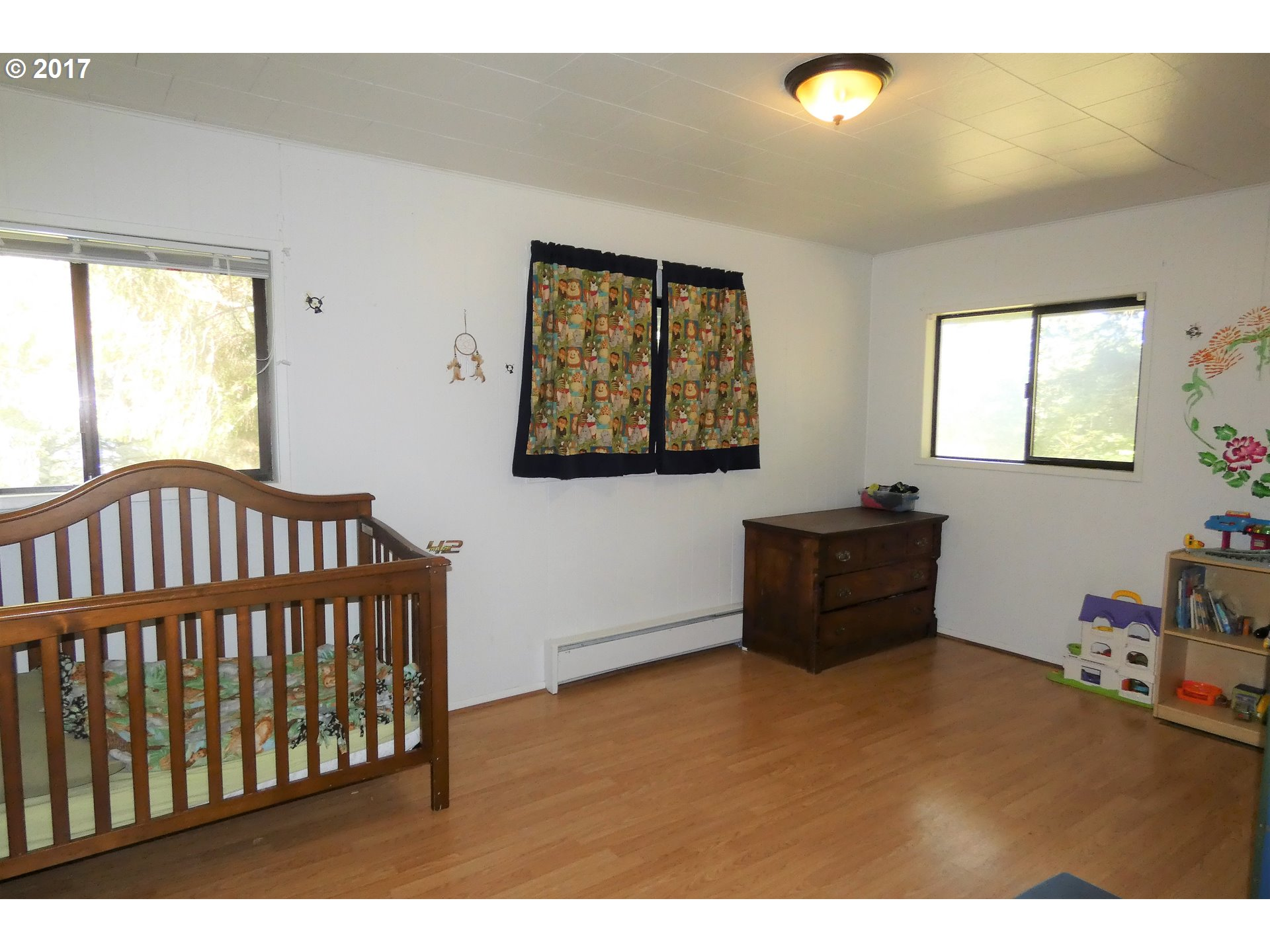 253 COAST GUARD HILL RD, PORT ORFORD, OR 97465  Photo 8