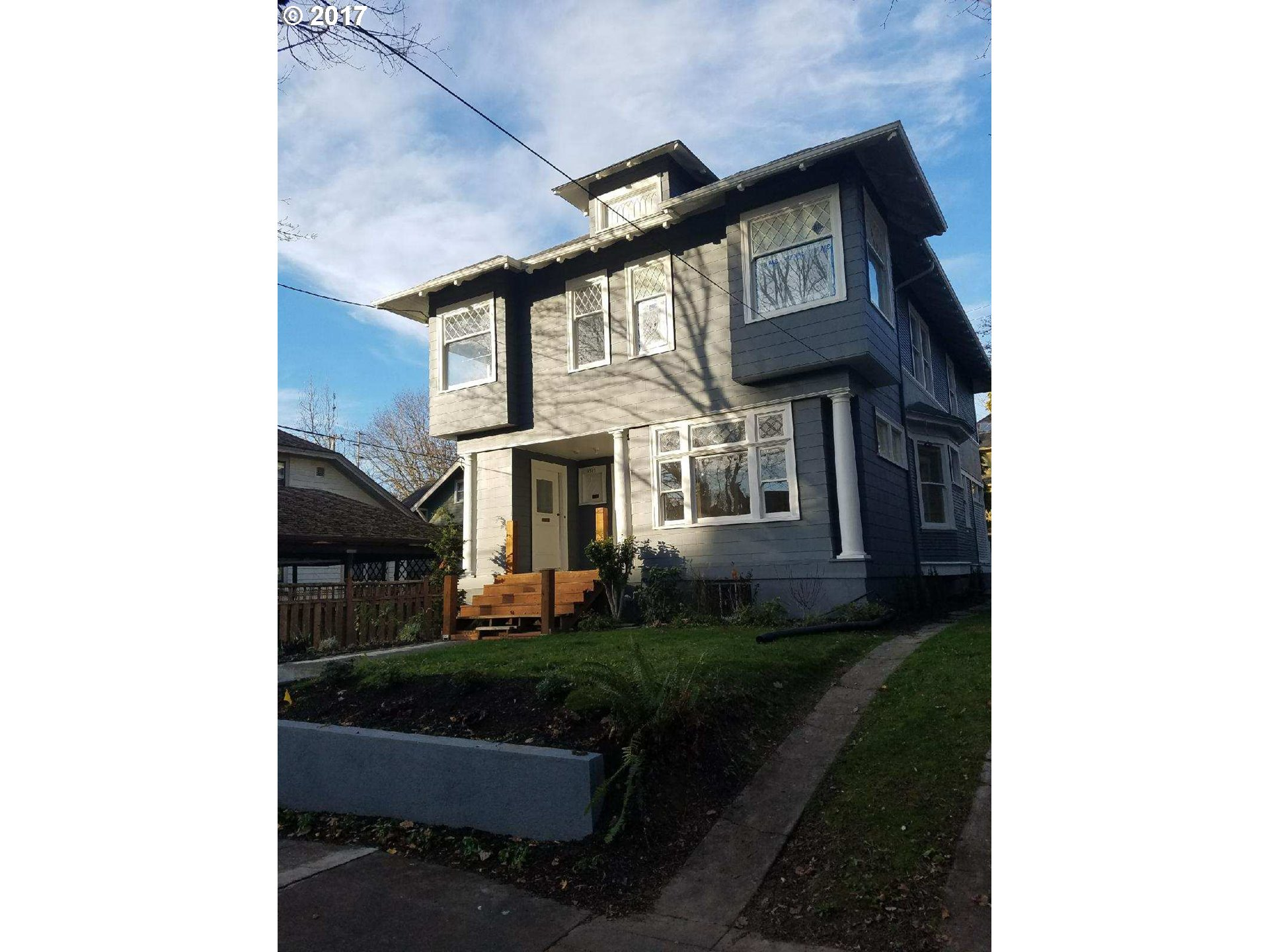 2315 SE SALMON ST, Portland OR 97214