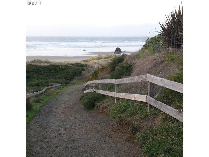 0 Beach LN