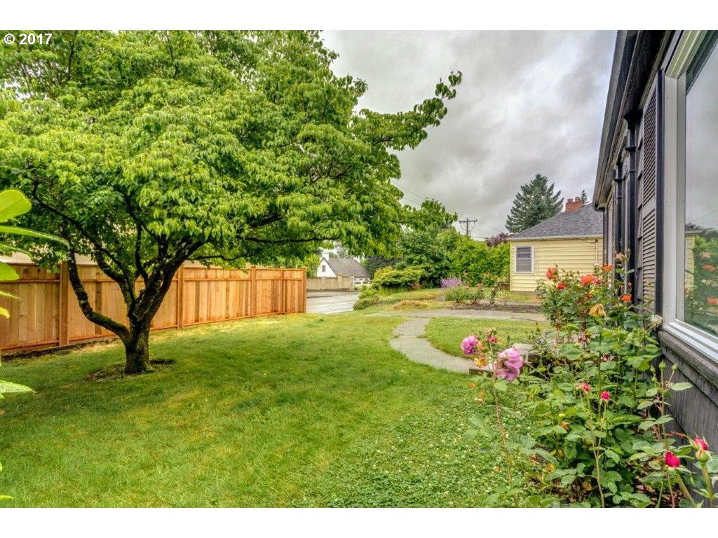 8046 SW CAPITOL HILL RD Portland, OR 97219 - MLS #: 17520279