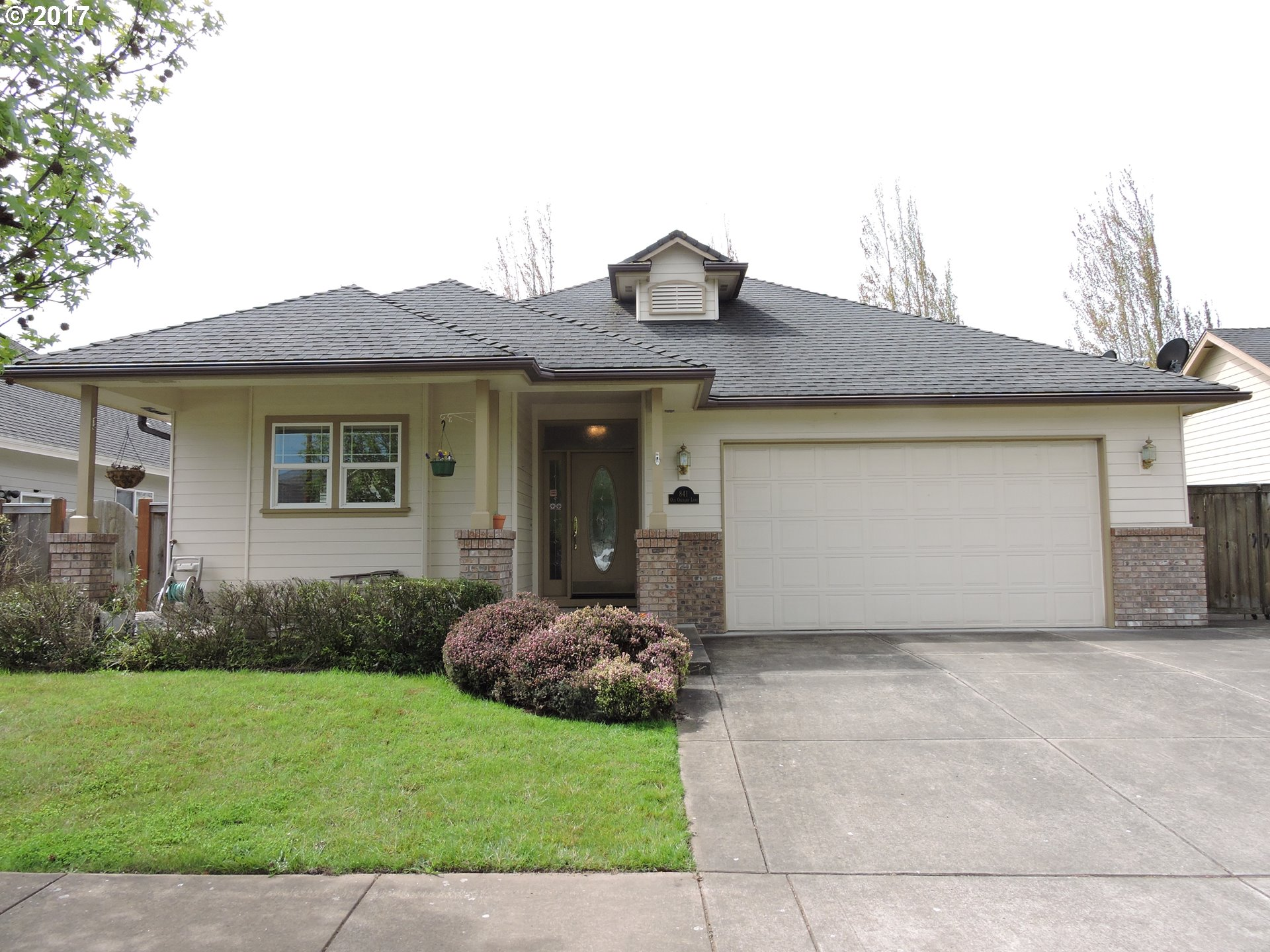 841 OLD ORCHARD LN, Springfield, OR 97477