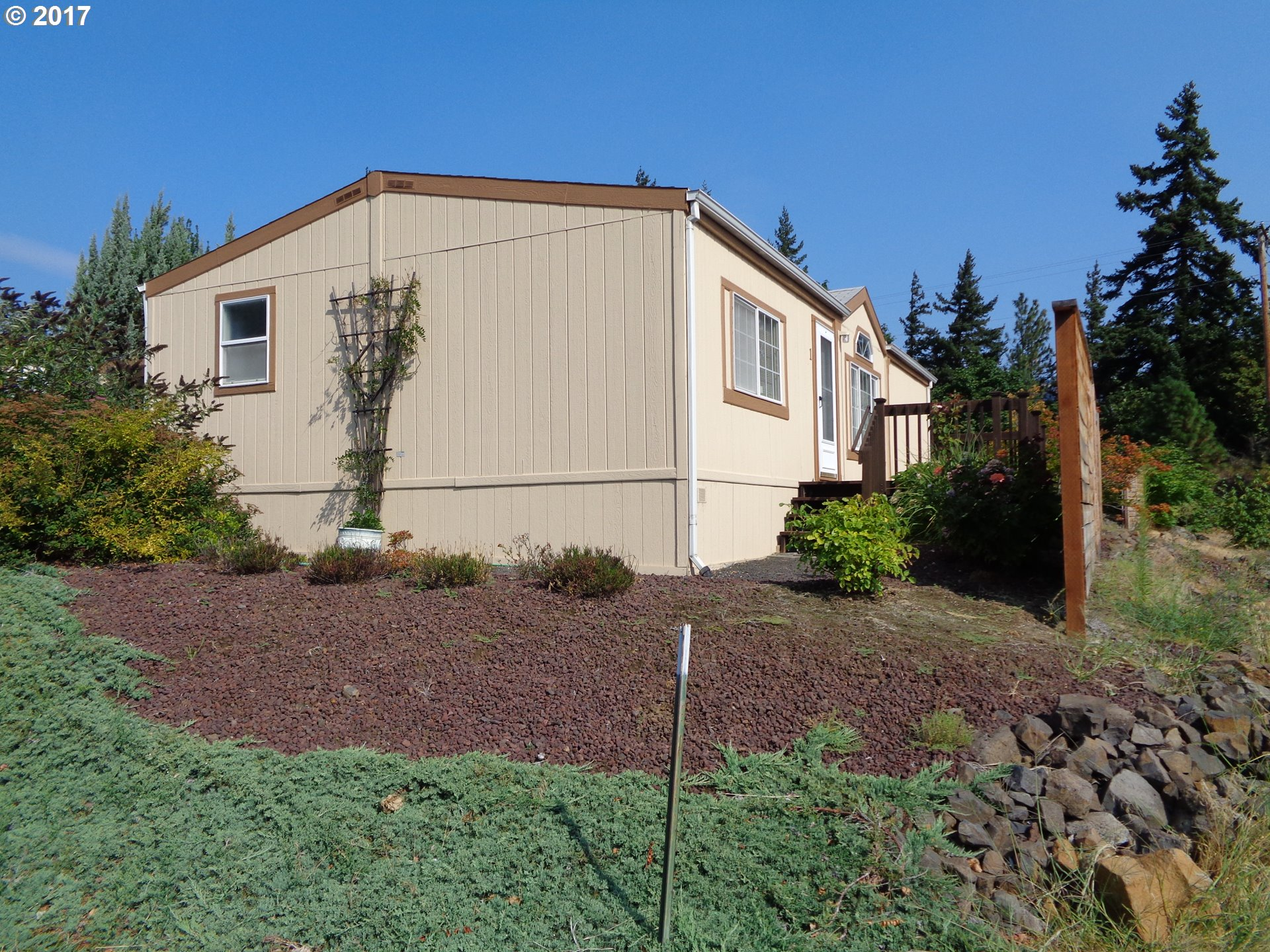 1300 THIRD AVE 1, Mosier, OR 97040
