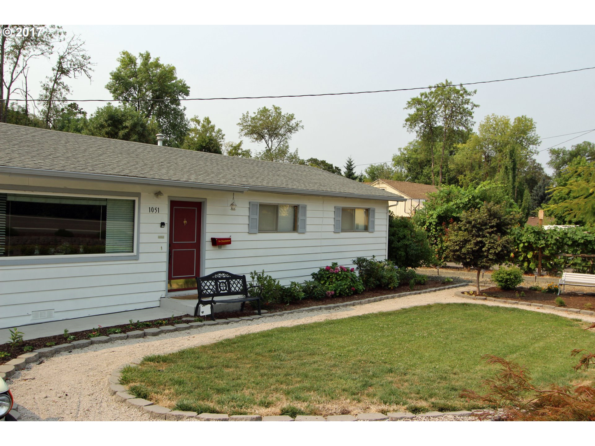 1051 NE NEWTON CREEK DR, Roseburg, OR 97470